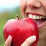 Äpfel führen bei Pollenallergikern häufig zu Kreuzreaktionen. ©Glamy/Fotolia